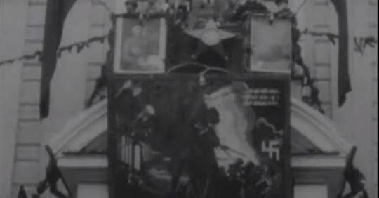 Військовий парад, червоні зірки та свастика: з'явилося раритетне відео Житомира, яке знімали на початку минулого століття