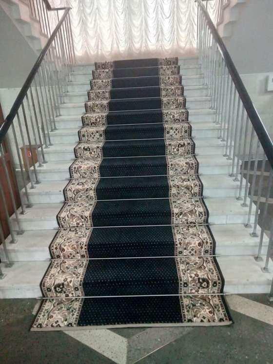 Нові килими за 200 тисяч як запорука успіху міжнародного українсько-білоруського форуму в Житомирі
