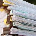 """""""Запретить бумажки"""": С 1 октября в Украине планируют отказаться от бумажного документооборота"""