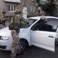 """Спецоперація """"КОРДу"""" в Житомирі: затримано сімейний підряд наркоділків, які постачали наркотики до місць позбавлення волі"""