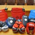 У Житомирі вихованці відділення кунг-фу отримали новий спортивний інвентар для занять