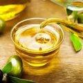 Кому можна вживати олію натщесерце?