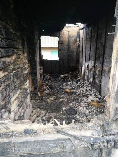 Житомирська область: вогнеборці ліквідували пожежу в будинку, під час якої господар отримав опіки тіла