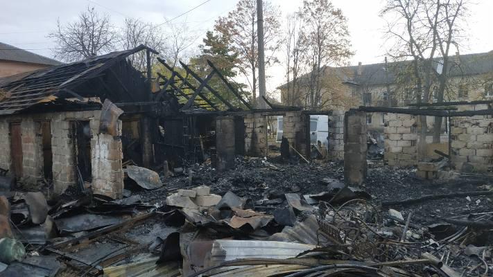 На Житомирщині вогнеборці ліквідували загоряння 14 господарських споруд