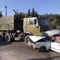 На Житомирщині КамАЗ зіштовхнувся з легковиком