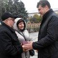 У Житомирі батькам передали орден «За мужність» загиблого журналіста і нардепа Тимчука