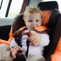 В Україні вводять штраф за перевезення дітей не в автокріслі
