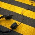 Житомирським батькам на замітку: домовтеся з дитиною, як і де слухати музику в навушниках
