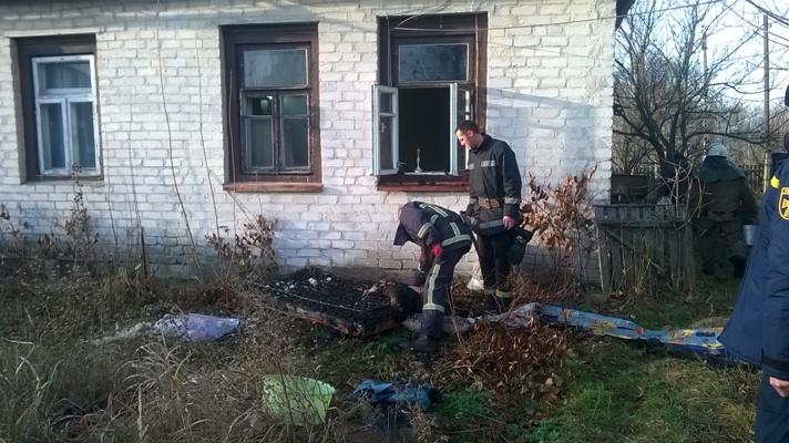 Житомирська область: за добу на пожежах загинуло двоє чоловіків