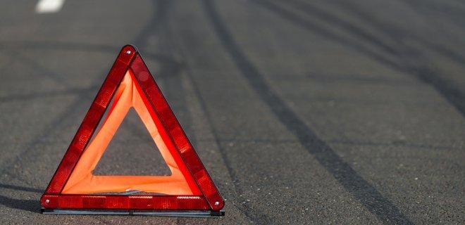 """""""Лоб в лоб"""" зіткнулись автомобілі під Бердичевом: винуватець зміг втекти з місця аварії"""