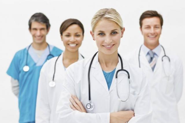 Як у Житомирі під час новорічних та різдвяних свят працюватимуть амбулаторії