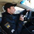 Поліцейські охорони у Житомирі затримали чоловіка, який на світанку проник до чужого житла