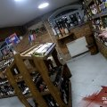 У Житомирі поліцейські охорони утихомирили жінку, яка хуліганила у магазині