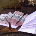 У Житомирі «соцпрацівниці» обміняли пенсіонерці заощадження на «нові гривні»