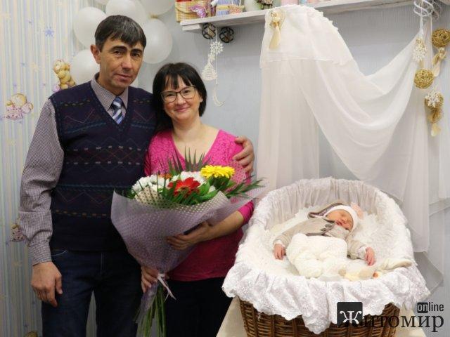 У житомирянки народилась 13-та дитина. ФОТО