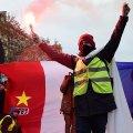 Во Франции вынесли приговоры полицейским за насилие против желтых жилетов