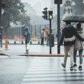 Дощі і сильний вітер: погода в Україні знову різко зміниться