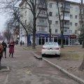 В Житомире автомобиль сбил женщину с ребенком на остановке: их госпитализировали. ФОТО