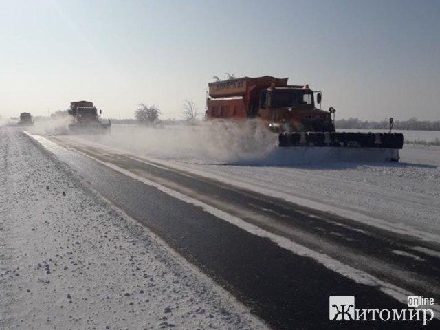 Укравтодор оснащує техніку GPS-трекерами для контролю за прибиранням снігу