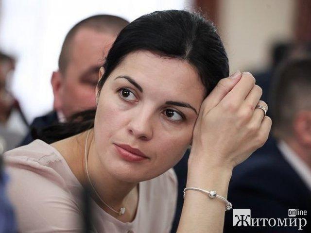 Депутатка Житомирської облради поцікавилась, чому вперше за чотири роки її дитина отримала запрошення на новорічну ялинку