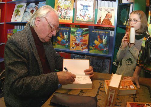 """Найвідоміший дитячий письменник з Житомирщини: 5 фактів про батька """"Тореадорів з Васюківки"""""""
