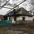 У селищі Житомирської області рятувальники знайшли обгоріле тіло чоловіка, який винаймав житло