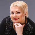 """Водій автобуса, з вини якого сталася ДТП та загинула акторка """" Дизель шоу"""", житомирянка Марина Поплавська, має сплатити понад 1 млн грн компенсації"""