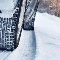 Три причини чому шиповані шини стають неефективними на слизькій дорозі