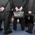 Чиновникам в Украине неожиданно изменили зарплаты