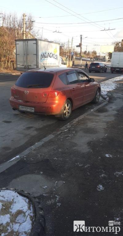 """В Житомирі сьогодні """"бум"""" порушників паркування.ФОТО"""