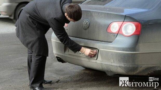 Сколько водителю нужно будет выложить за грязные номерные знаки