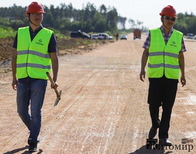 У Житомирській ОДА розповіли, де перебуватимуть китайці, що повертаються будувати об'їзну дорогу