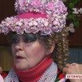 У Бердичеві екстравагантна пенсіонерка щодня одягає яскраві речі та наносить вечірній макіяж.ВІДЕО.ФОТО
