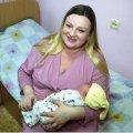 В Житомире родилась девочка- богатырь весом 5 с лишним килограммов