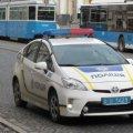Чому патрульні машини житомирської поліції не мають знаків аварійної зупинки, а їхні водії - без світловідбиваючих жилетів?