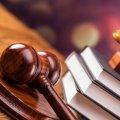 У райцентрі Житомирської області суд зобов'язав школярку публічно вибачитися перед матір'ю за лайку