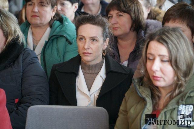 Заступник голови облради поїхав до Коростеня представити колективу діагностичного центру нового керівника. ФОТО