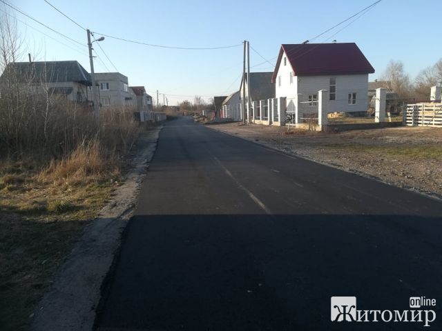 В селі Оліївка сьогодні заасфальтували ще одну вулицю! ФОТО