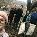 У Новограді-Волинському молодь прибрала від сміття територію біля фортеці. ФОТО