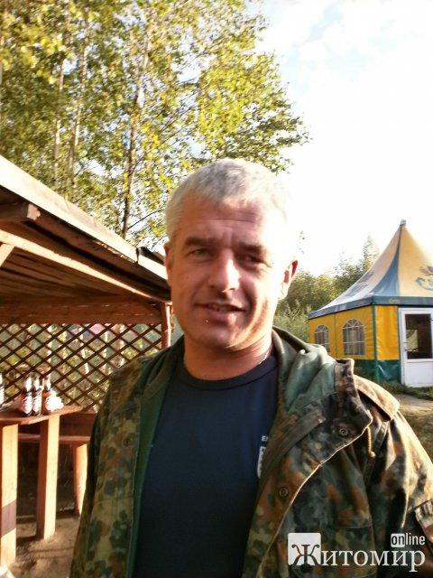 У поліції просять не поширювати недостовірні чутки щодо обставин смерті волонтера, військового-житомирянина Олега Котенка