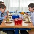 """Житомиряни вимагають від влади не розділяти дітей на """"своїх"""" та """"чужих"""""""