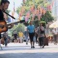 Скільки заробляють вуличні музиканти у Житомирі?