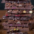 Білий наліт на шоколадних виробах: що це означає і чи можна вживати такі солодощі