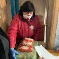 У Житомирі сформували близько 16 тисяч продовольчих наборів, які розвозитимуть одиноким людям. ФОТО