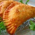 Рецепти тіста для чебуреків. Завжди виходять хрусткими та соковитими.