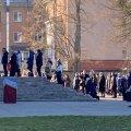 Біля Спасо-Преображенського собору в Житомирі скупчення людей з масками та без: прихожани знехтували заборонами та правилами безпеки