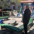 У Житомирі дільничний чекав 40 хв. маму, яка залишила дитину на дитячому майданчику і пішла до супермаркету