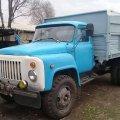 Унаслідок ДТП на Житомирщині з кузова вантажівки випав чоловік та потрапив до лікарні