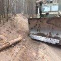 Військові двох бригад пробивають просіки у палаючих лісах Житомирщини