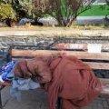 Киянка вже місяць живе на залізничному вокзалі Коростеня, бо не може добратися додому